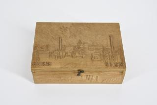 vyřezávaná krabička
