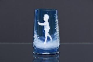 sklenička s ouškem
